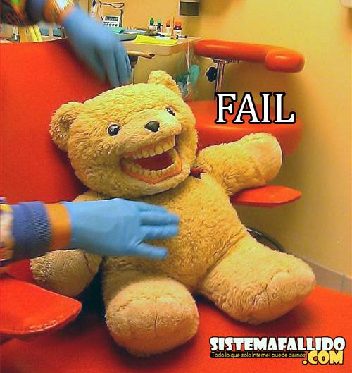 Le Teddy bear avec des dents
