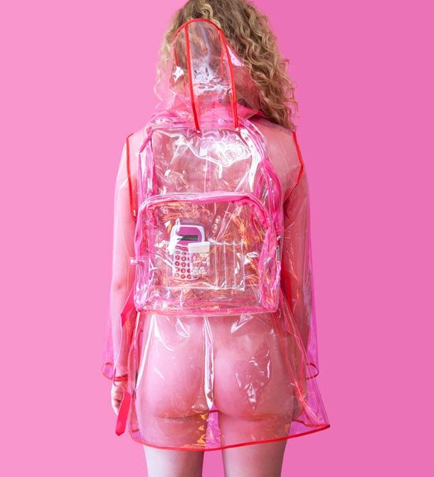 Rhode Island : il est illégal de porter des vêtements transparents