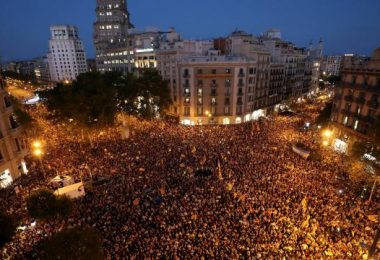 catalogne-dispersion-de-la-plupart-des-manifestants-barcelone