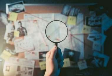voyant et détective